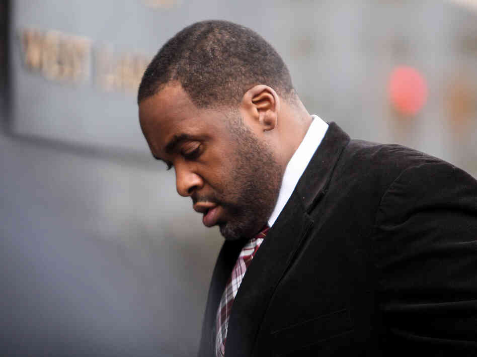 Former Detroit Mayor Kwame Kilpatrick on his way into court Monday in Detroit.