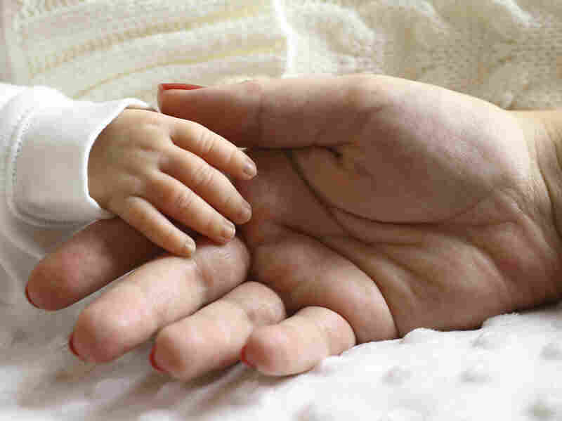 A JAMA Psychiatry study found that 1 in 7 mothers are affected by postpartum depression.