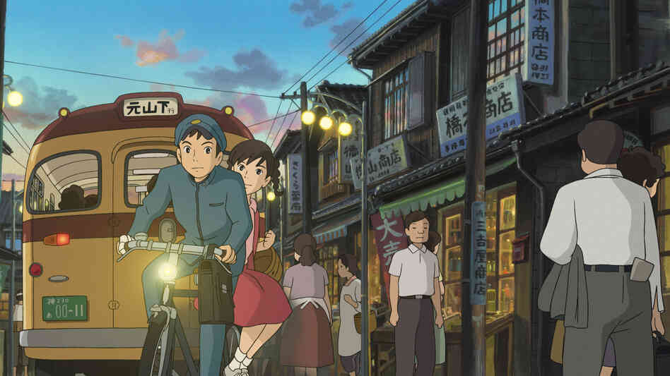 In 1963 Japan, Shun (voiced by Anton Yelchin) and Umi (Sarah Bolger) unite to preserve a beloved old building that serves as a clubhouse for young intellectuals at their seaside community school.