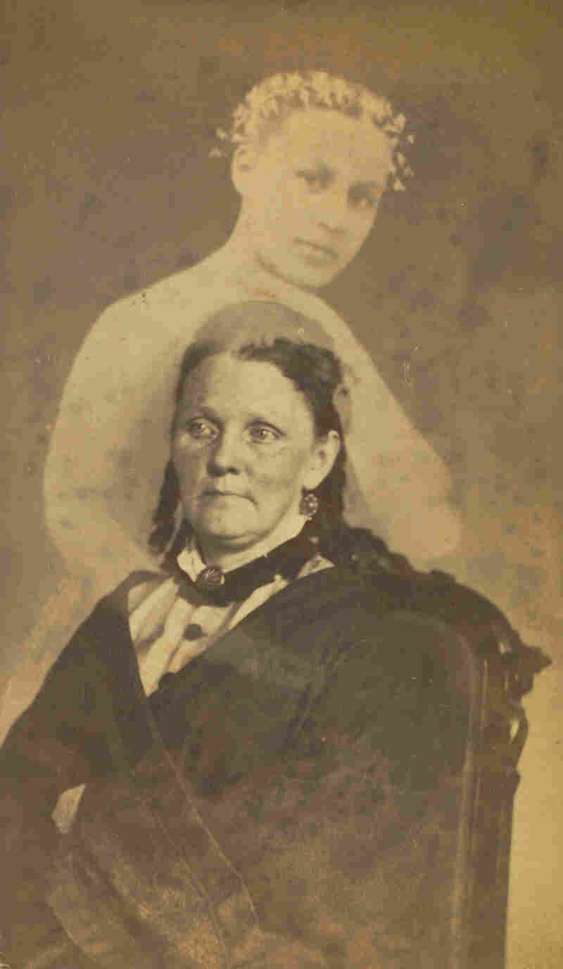 Unidentified woman seated with a female spirit, 1862-1875 (William Mumler)
