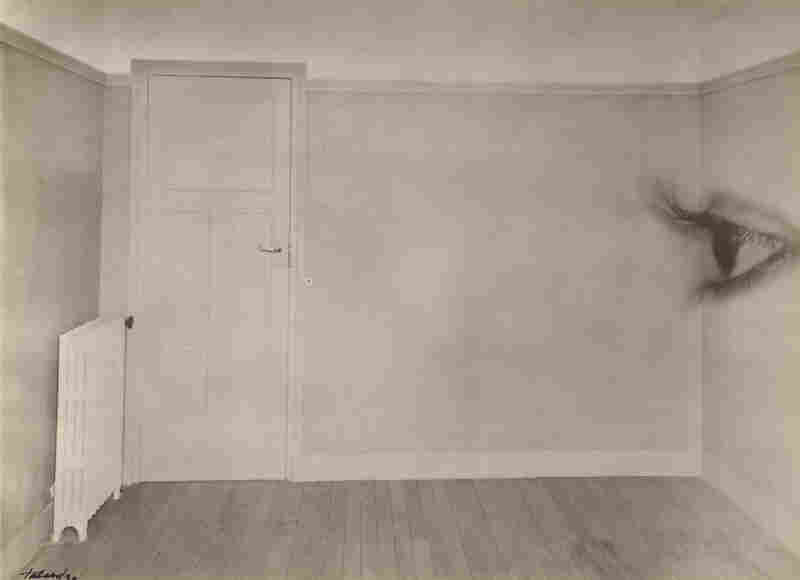 Room with eye, 1930 (Maurice Tabard)