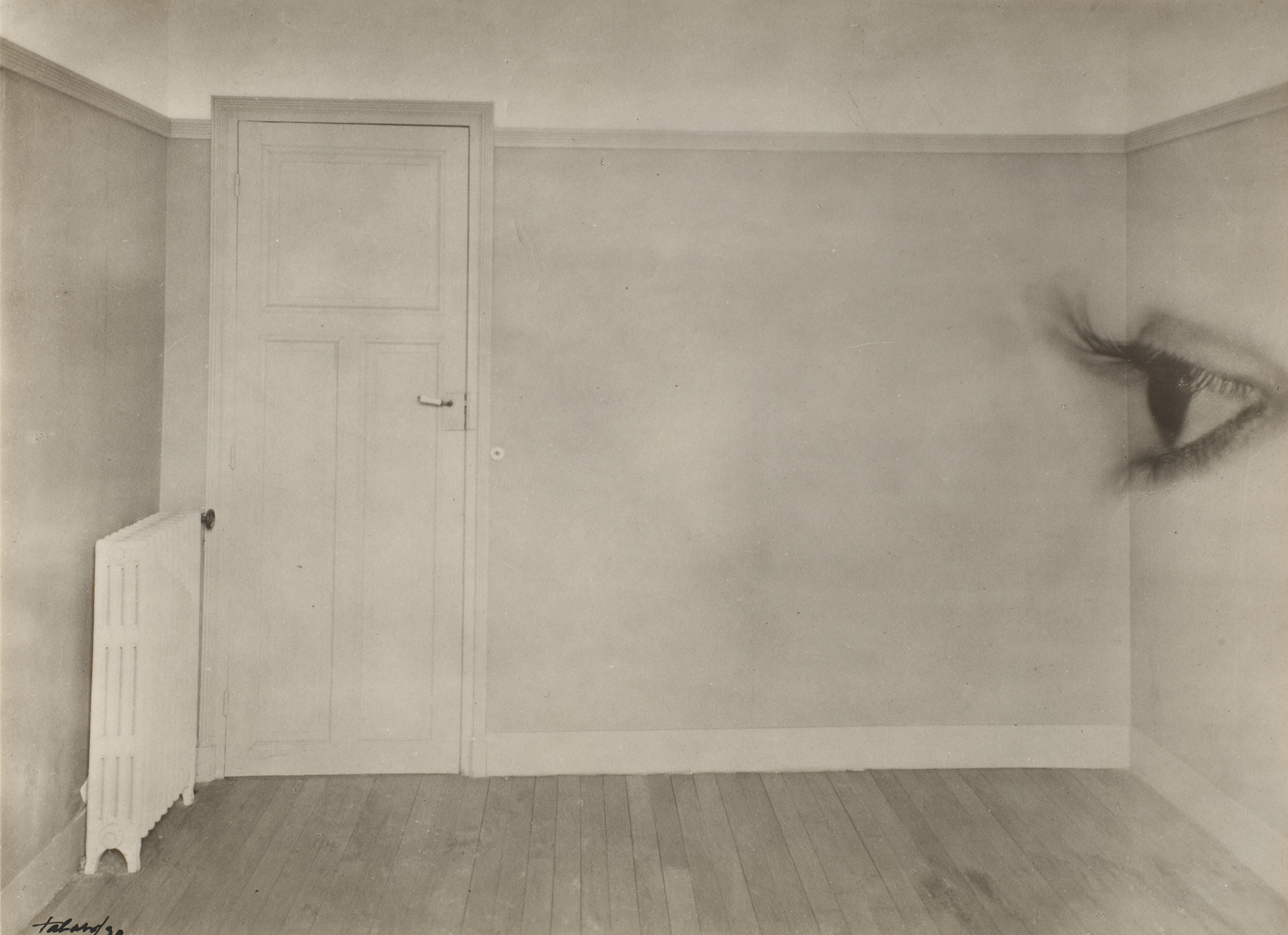 Room with eye, 1930 (Maurice Tabard)
