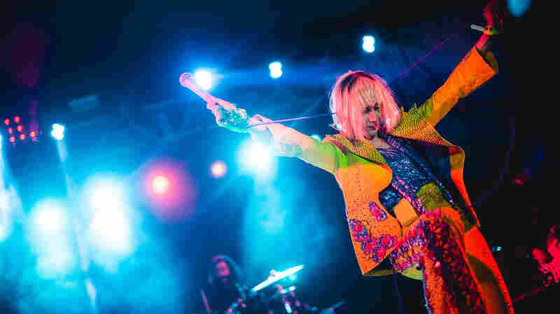 Yeah Yeah Yeahs, Live In Concert