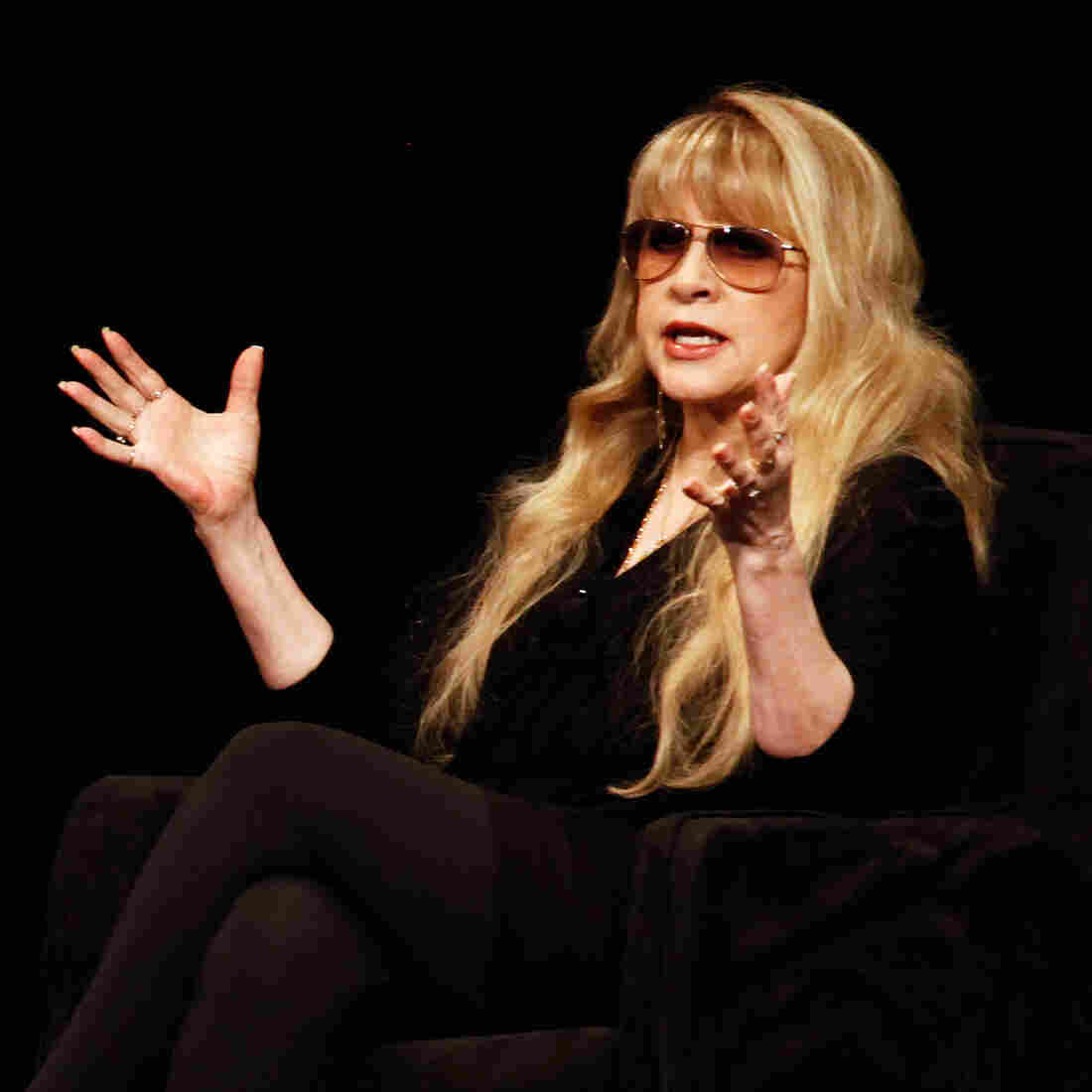 Stevie Nicks: 'When We Walk Into The Room, We Have To Float In Like Goddesses'