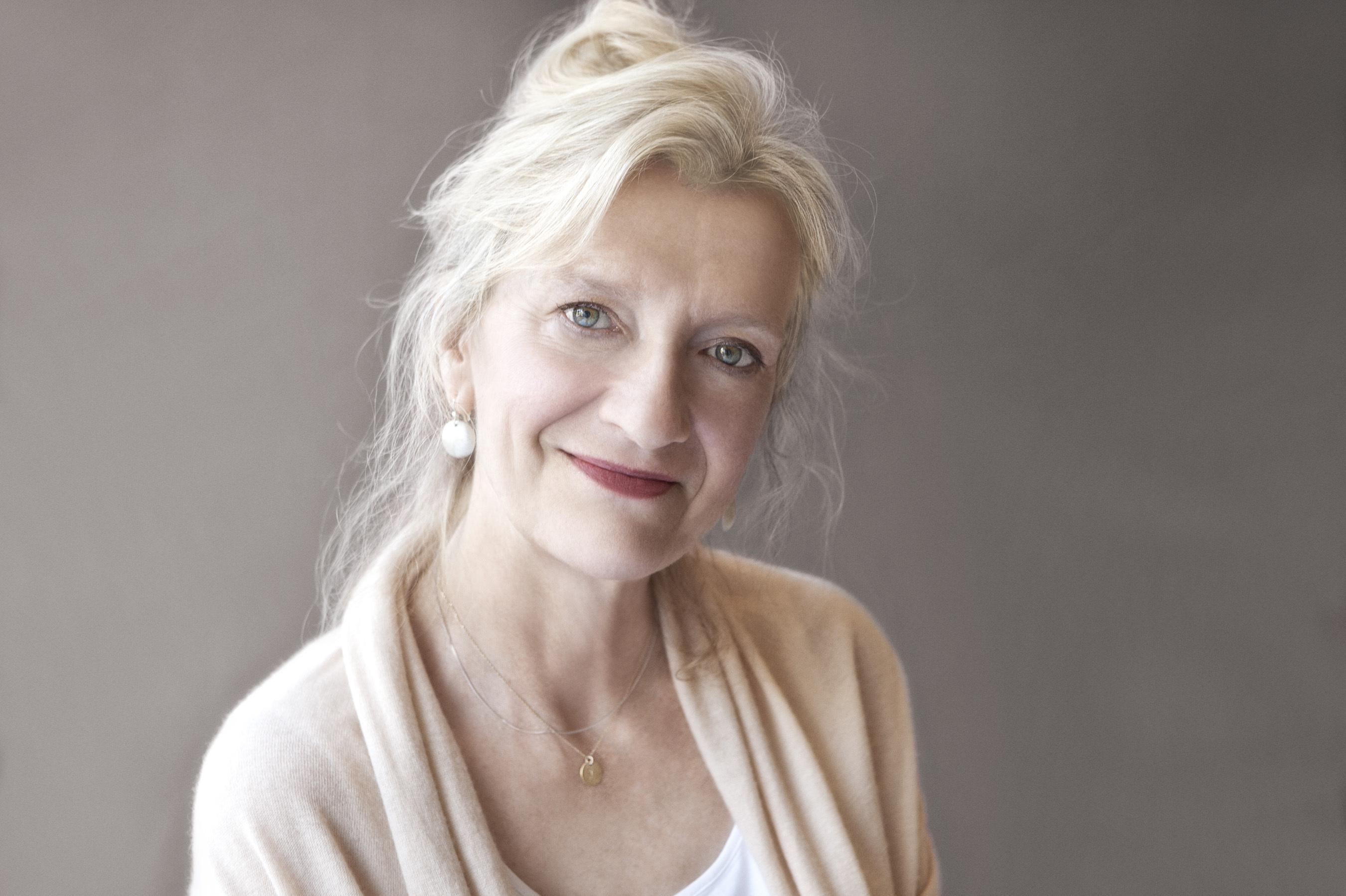 Elizabeth Strout won a Pulitzer Prize for Olive Kitteridge, her 2008 collection of interconnected stories.