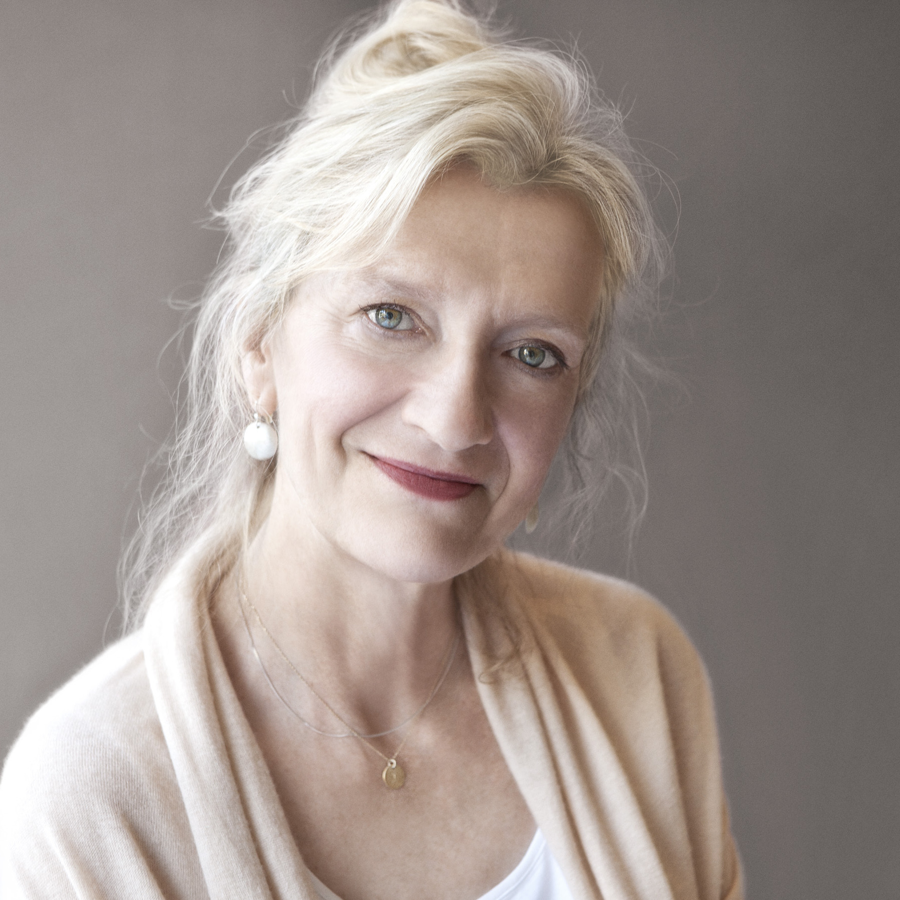 Elizabeth Strout won the Pulitzer Prize for her previous novel Olive Kitteridge.
