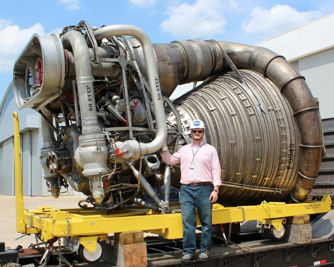 largest rocket engine - HD1168×934