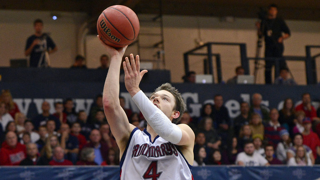 St. Mary's' Matthew Dellavedova goes up for a basket against Yale Bulldogs' Justin Sears and Michael Grace. (MCT /Landov)