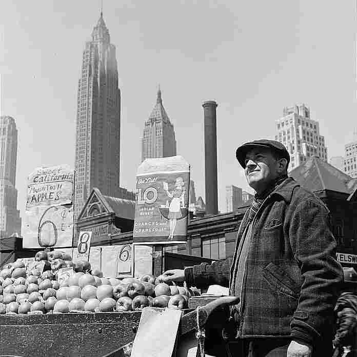 A pushcart fruit vendor at the Fulton fish market in New York City in 1943