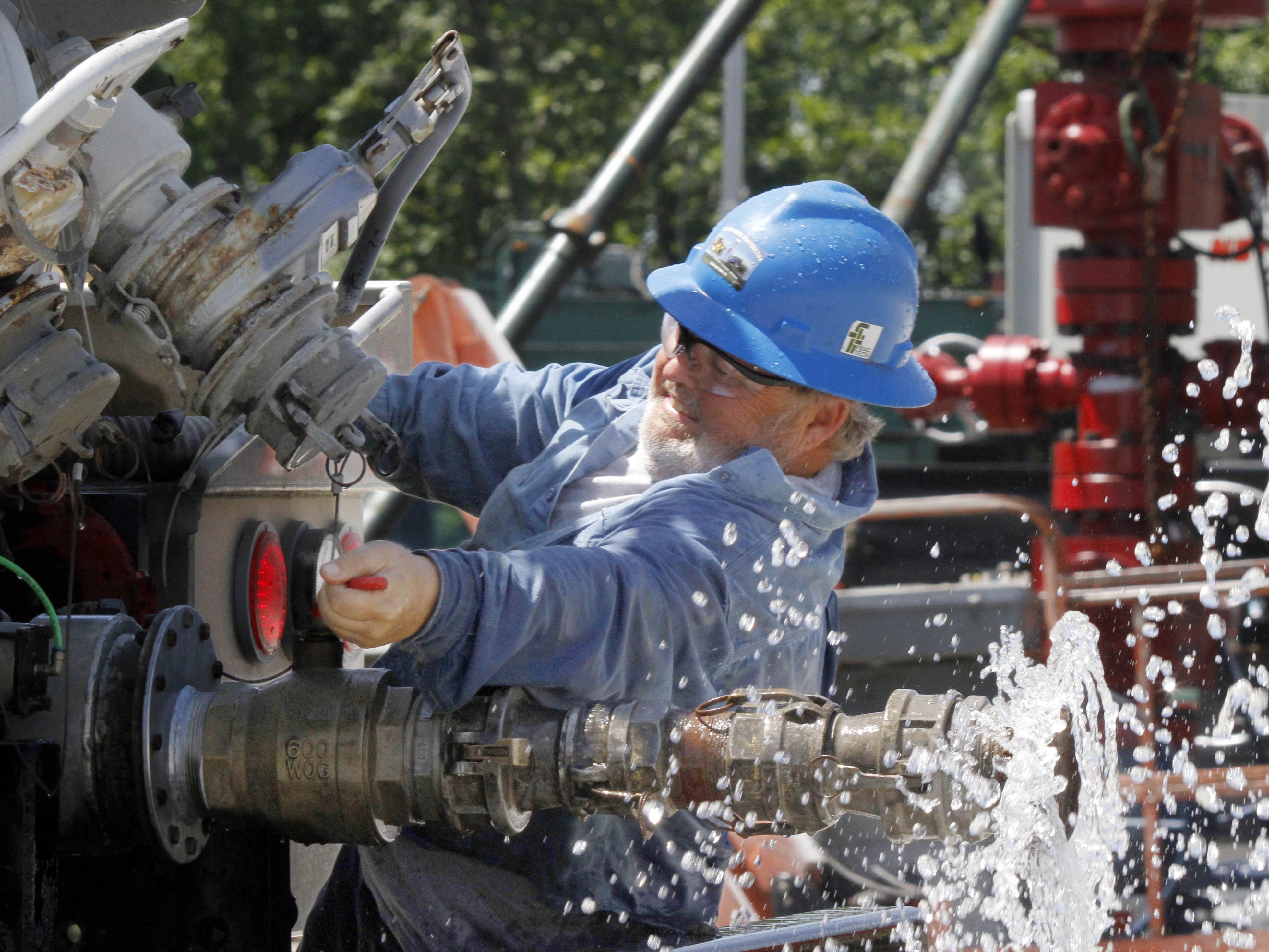 Sand From Fracking Could Pose Lung Disease Risk To Workers