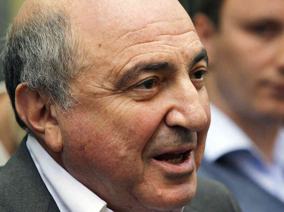 Berezovsky addresses the media outside a London court after losing his lawsuit against Roman Abramovich in August.