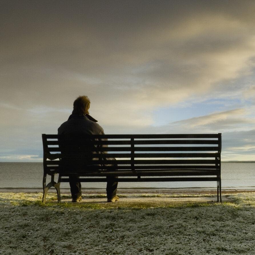 「lonely」的圖片搜尋結果