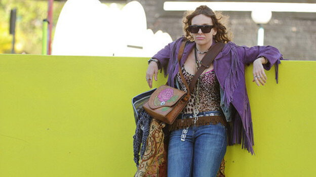 Shaz (Toni Collette), a hoth