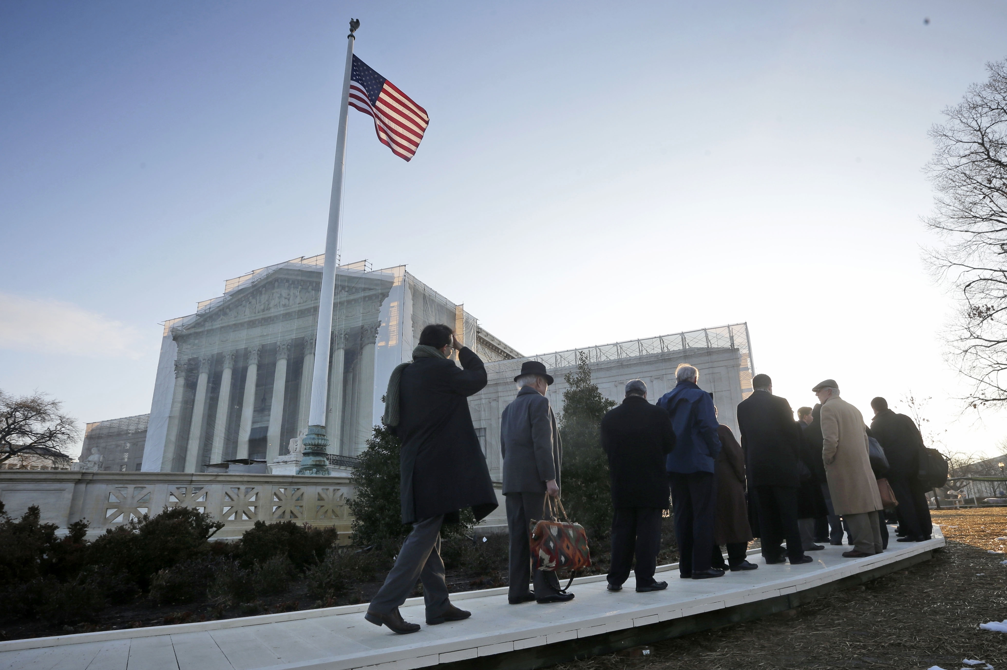 At Arguments, Supreme Court Takes Halting Steps Into Gay Marriage Issue