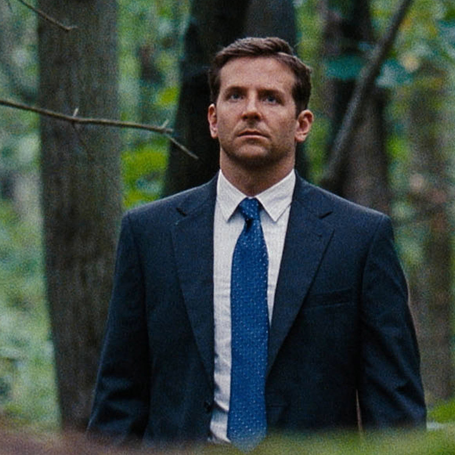 Avery (Bradley Cooper), a law-school graduate and small-town lawman, hopes to use a high-profile case to advance his political ambitions.