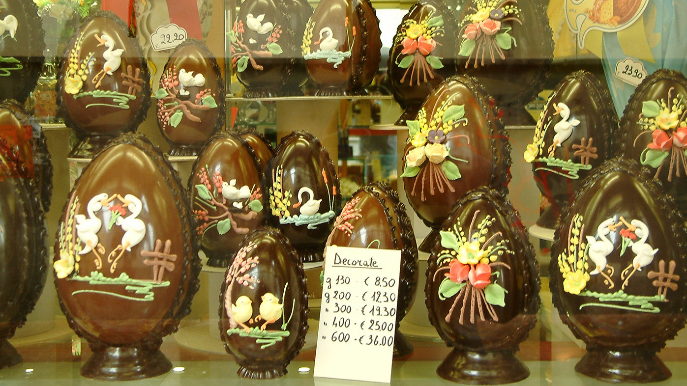 Italy 39 S Chocolate Easter Eggs Big Bold And Full Of Bling