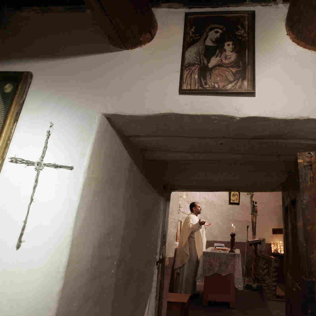 Thousands Trek To New Mexico Chapel On Good Friday