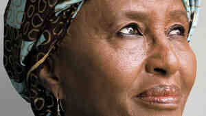 Keeping Hope Alive: One Woman: 90,000 Lives Changed by Hawa Abdi.