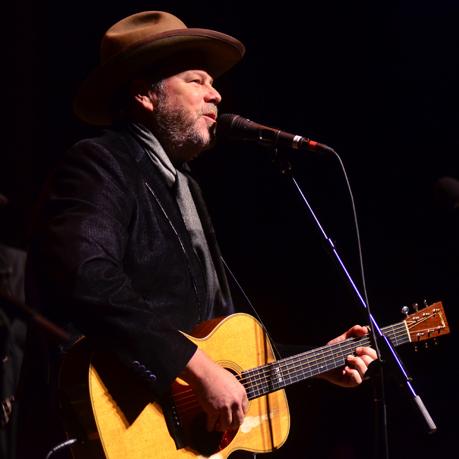 Robert Earl Keen performs live on Mountain Stage.