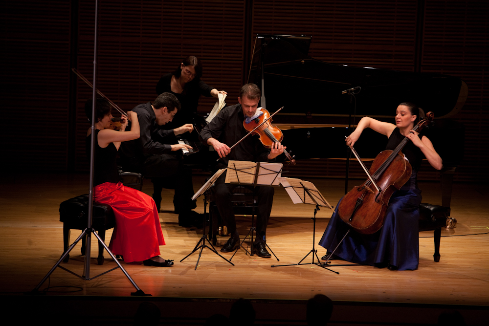 This Zankel Hall concert (at Carnegie Hall) opened with a performance of Mozart's Piano Quartet in E-flat, K. 493.
