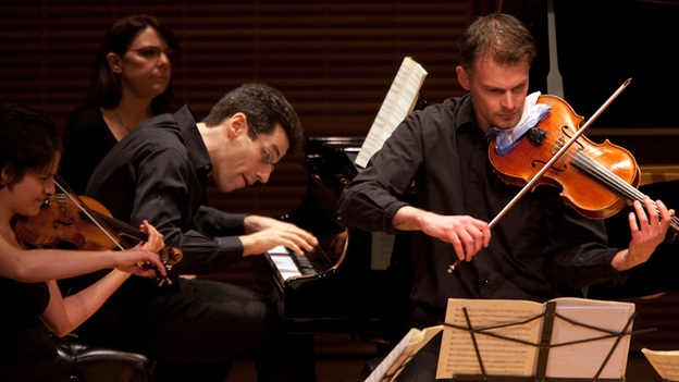 Pianist Jonathan Biss and members of the Elias String Quartet brought their Schumann: Under the Influence program to Carnegie Hall. (for NPR)