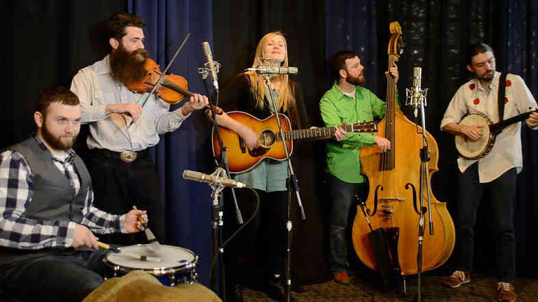 Nora Jane Struthers and The Party Line perform live at Folk Alliance for Folk Alley.
