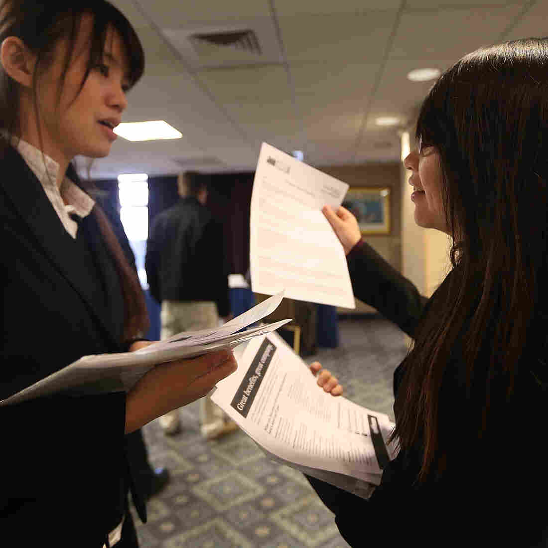 Job Growth Slows Sharply, But Unemployment Rate Dips
