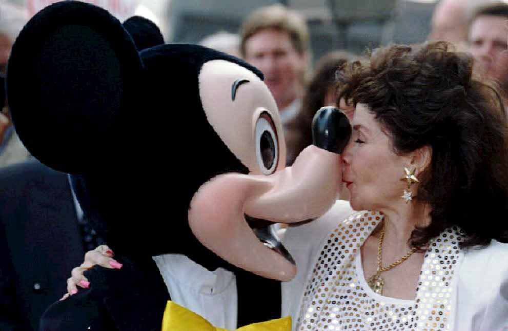 Former Mouseketeer Annette Funicello reconnected with an old friend and colleague when she unveiled her star on the Hollywood Walk of Fame in September 1993.