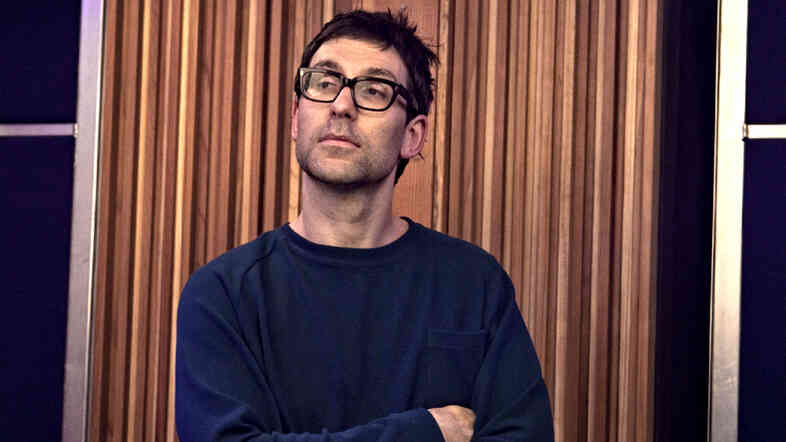 Jamie Lidell takes a break between songs during his KCRW session.
