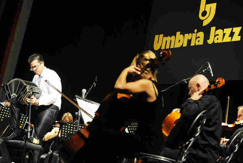 The Umbria Festival discovered young bandoneonist J.P. Jofre from Argentina performing in Puerto Rico and then New York, where Jofre now lives.