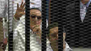 Egyptian Judge Abruptly Steps Down From Mubarak Retrial
