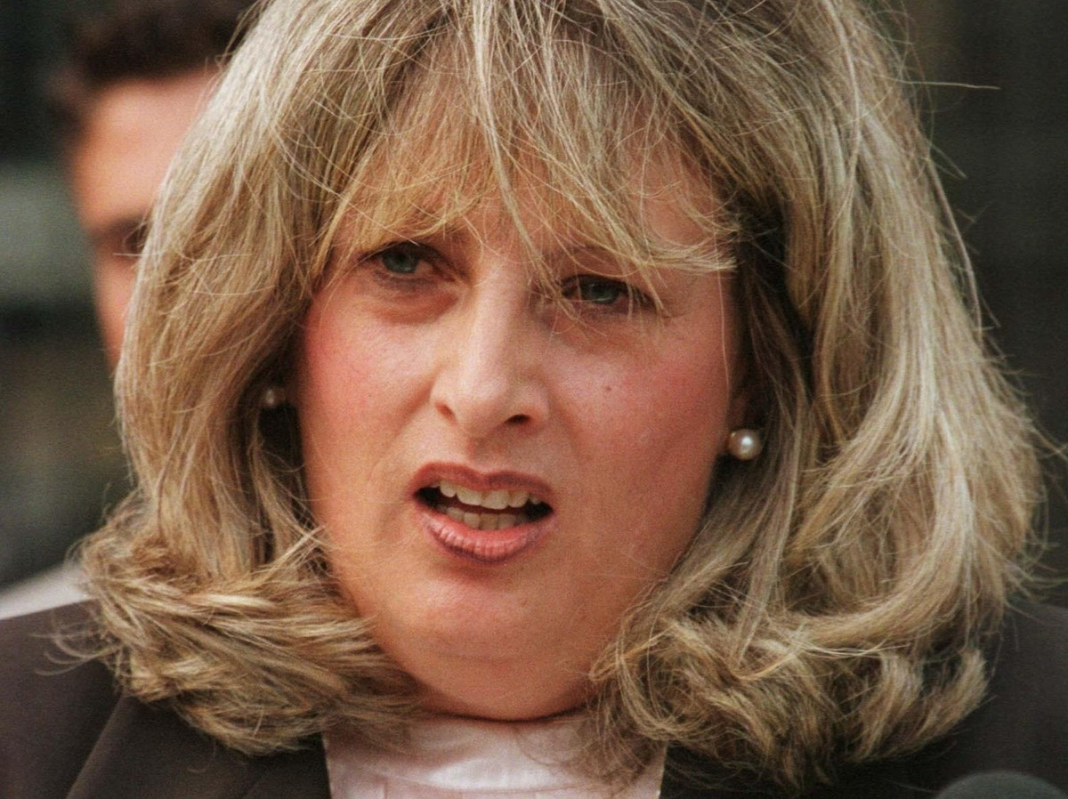 linda tripp - photo #11