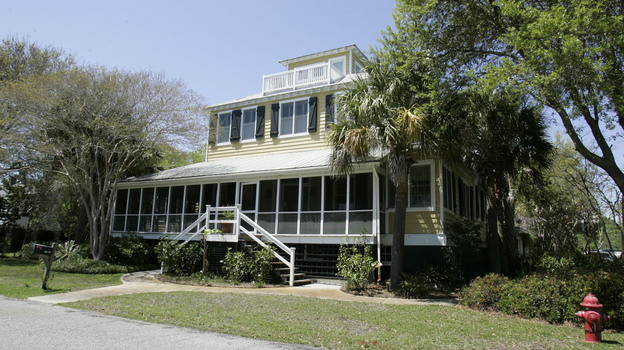Jenny Sanford says her ex-husband was in her Sullivan's Island, S.C., home without her permission. (AP)