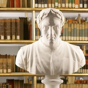 A bust of Dante Alighieri at the Duchess Anna Amalia Library.
