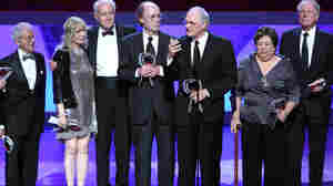 Allan Arbus on the left, with fellow M.A.S.H. stars Loretta Swit, Mike Farrell, Burt Metcalfe, Alan Alda, Kellye Nakahara Wallet and Wayne Rogers at an awards ceremony in 2009.