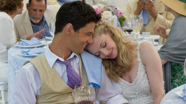 Alejandro (Ben Barnes) and Missy (Amanda Seyfried) take a break from the chaos swirling around their Big Wedding to appreciate the luck that brought so many big-name celebrities out for their big day.