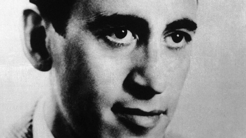 A photo of J.D. Salinger taken in September 1961. (AP)