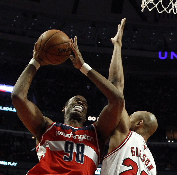 Jason Collins (left), then of the Washington Wizards, during a game this month against the Chicago Bulls.
