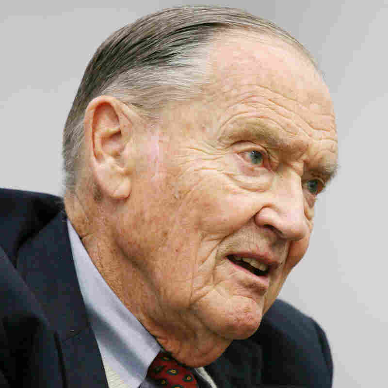 John Bogle's Latest Advice: A 'Gatekeeper' For Your Nest Egg