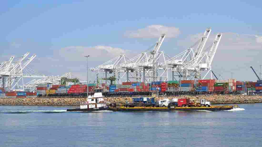 """A cruise run by the Aquarium of the Pacific in Long Beach, Calif., exposes guests to the """"urban ocean"""" in the country's biggest shipping terminal."""