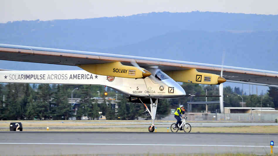The Solar Impulse takes off from Moffe