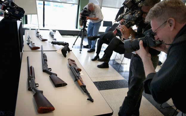 The U.S. rate of gun homicides and other crimes fell after 1993, accord