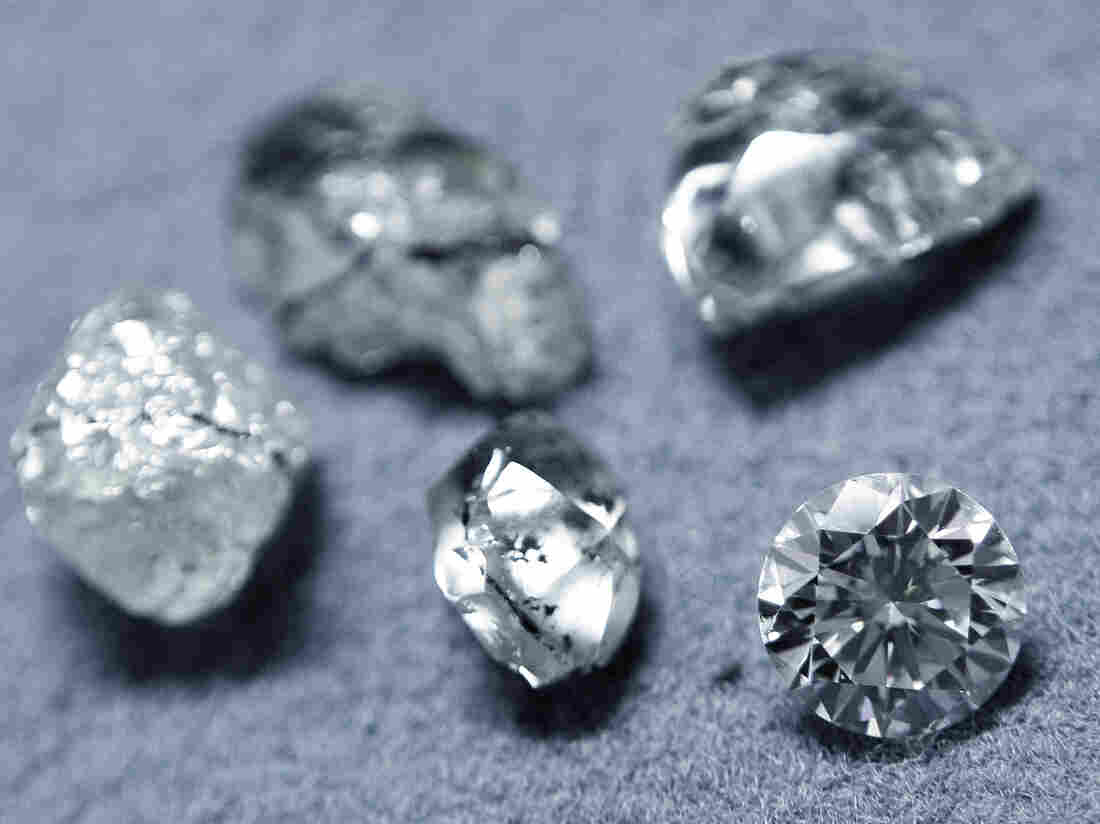 Diamonds at a workshop in Antwerp. (2009 file photo.)