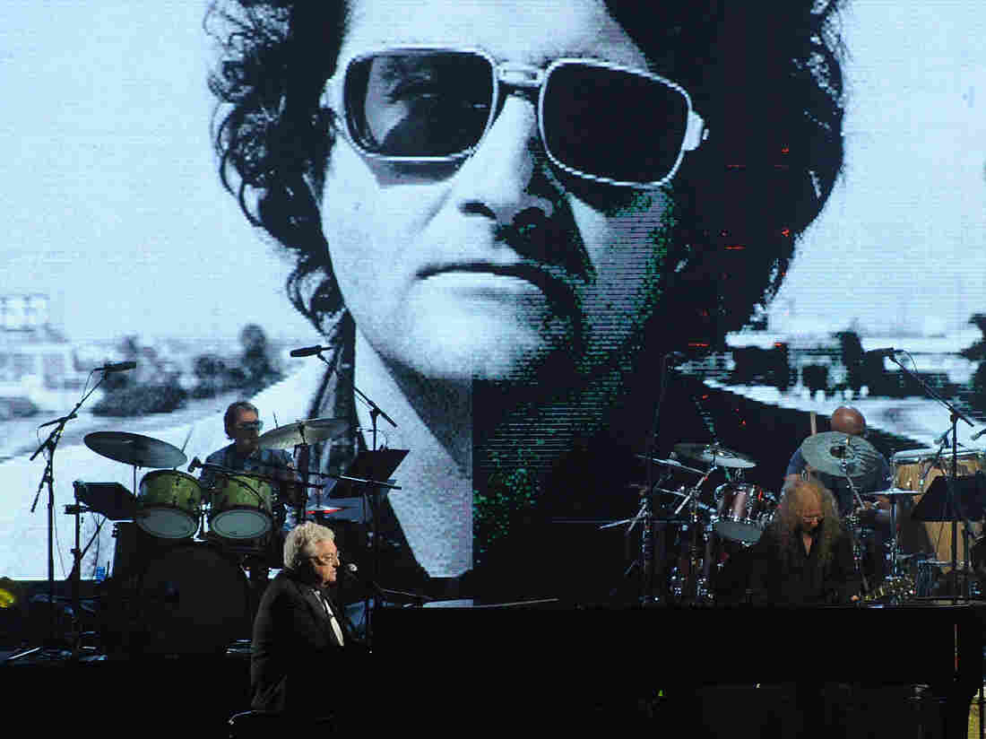 Inductee Randy Newman performs on stage at the 28th Annual Rock and Roll Hall of Fame Induction Ceremony on April 18, 2013.