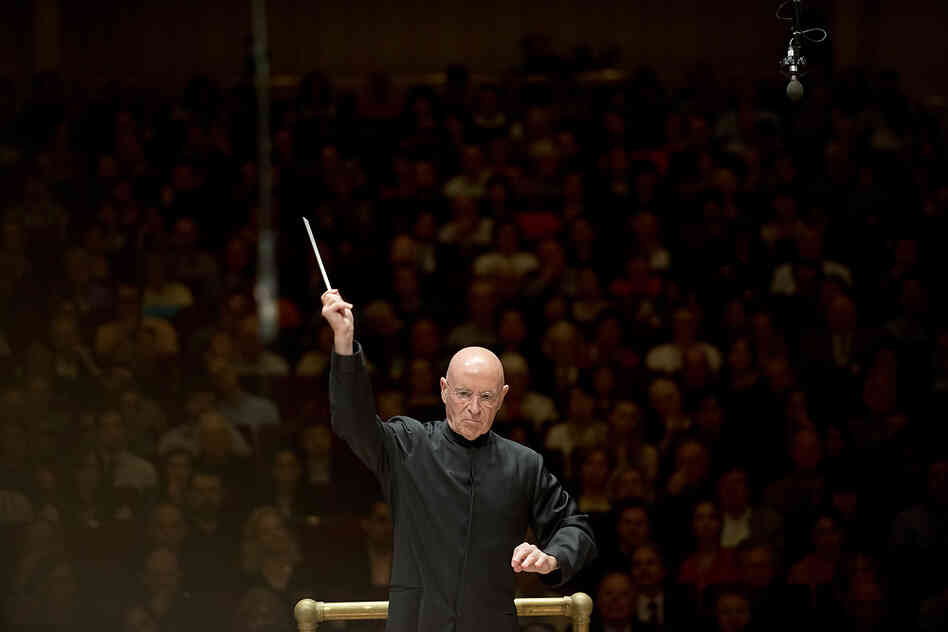 The performance, which was presented as a tribute to the NSO's late leader, conductor and cellist Mstislav Rostropovich, opened with Rodion Shchedrin's Slava, Slava: an brilliant and clangorous 5-minute piece that features tubular bells.