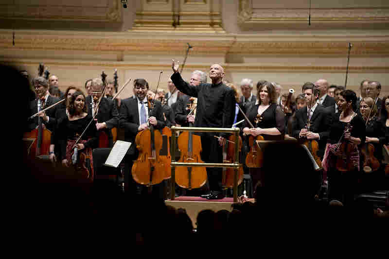 In acknowledging listeners' applause, Eschenbach and the NSO musicians returned the audience's warmth.