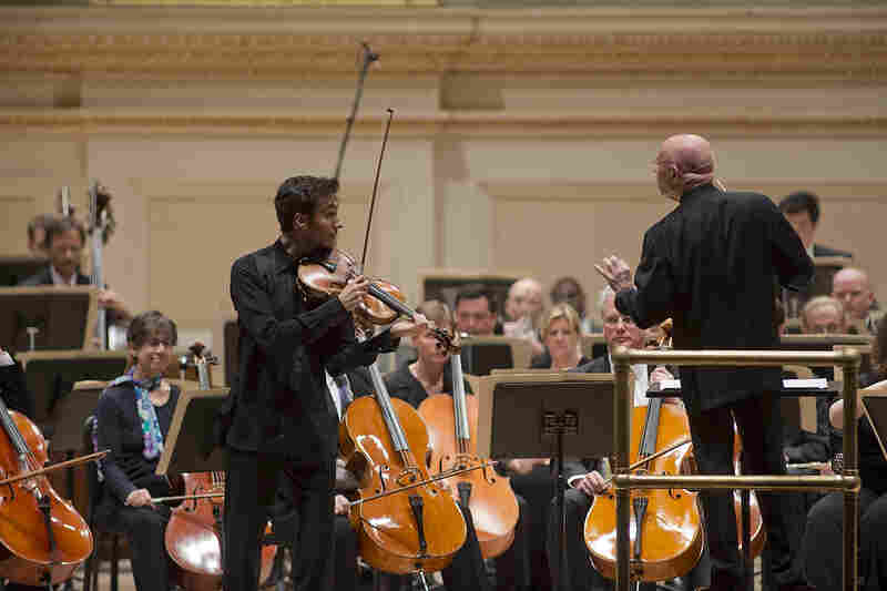 The superb, rising American violist David Aaron Carpenter made his Carnegie Hall debut this evening in Alfred Schnittke's Viola Concerto.