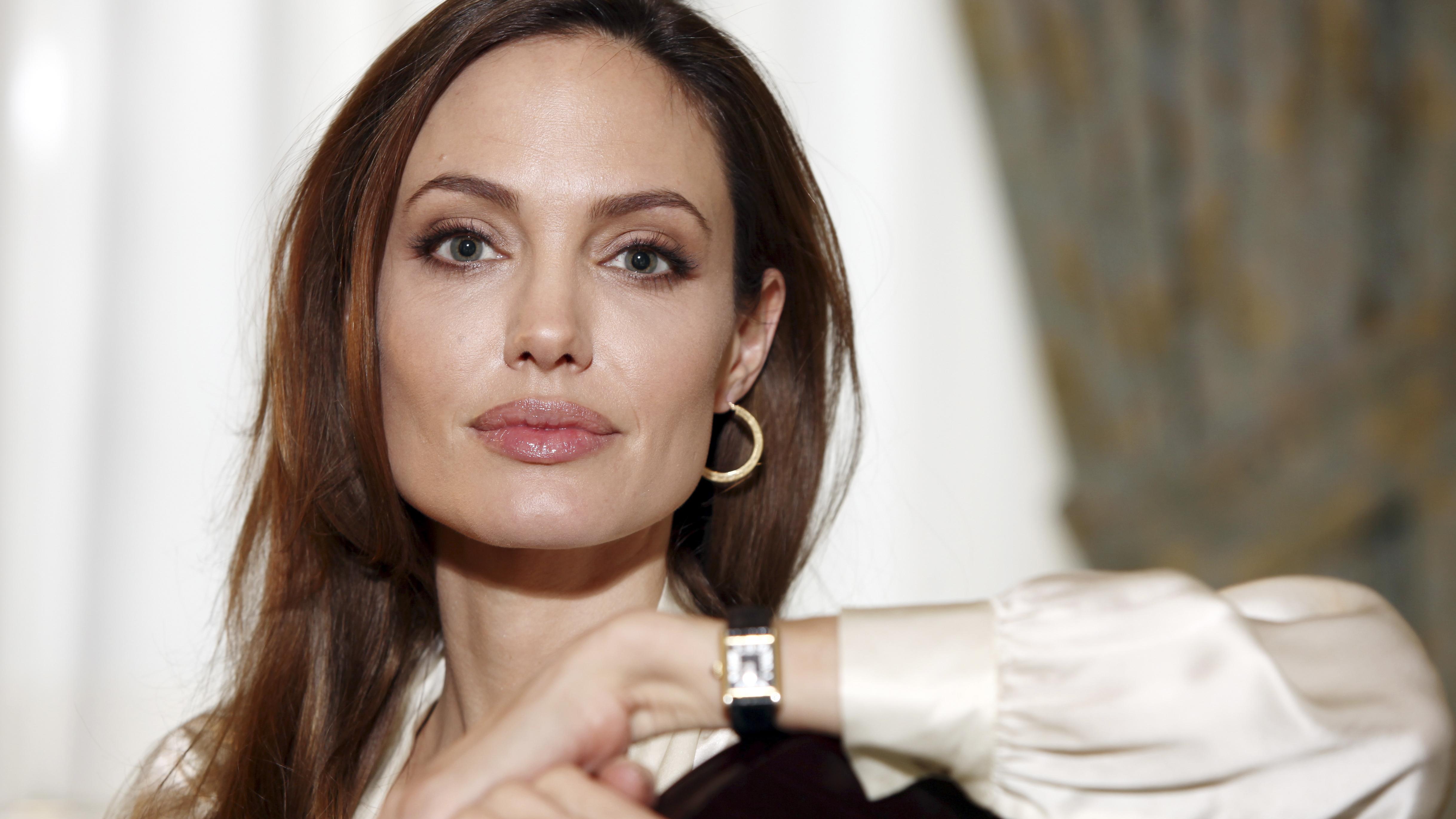 The dark past of Angelina Jolie 06.03.2010 67