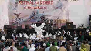 Tartit performs at the Festival au Desert.