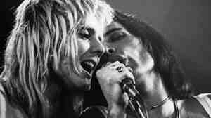 Drummer Roger Taylor and singer Freddie Mercury (1946 - 1991) of the British rock band Queen perform at the Playhouse in Edinburgh, Scotland, 1st September 1976.